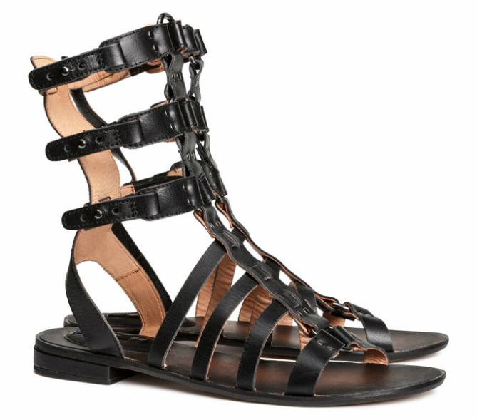 Hoge sandalen van leer, zwart - € 49.95