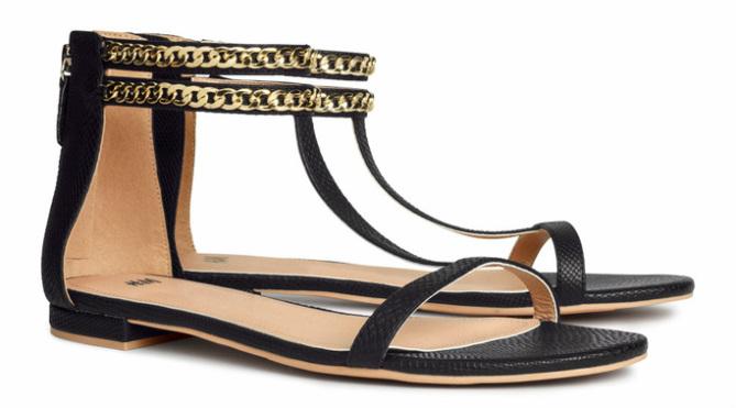 Sandalen met gouden detail, zwart - € 19.95