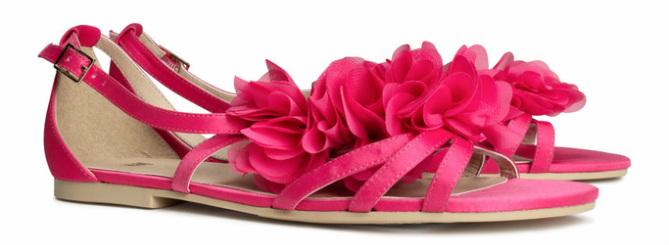 Sandalen van satijn, roze - € 19.95