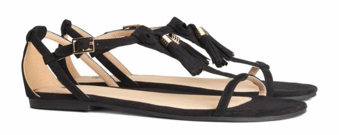 Sandalen met kwastjes, zwart - € 19.95