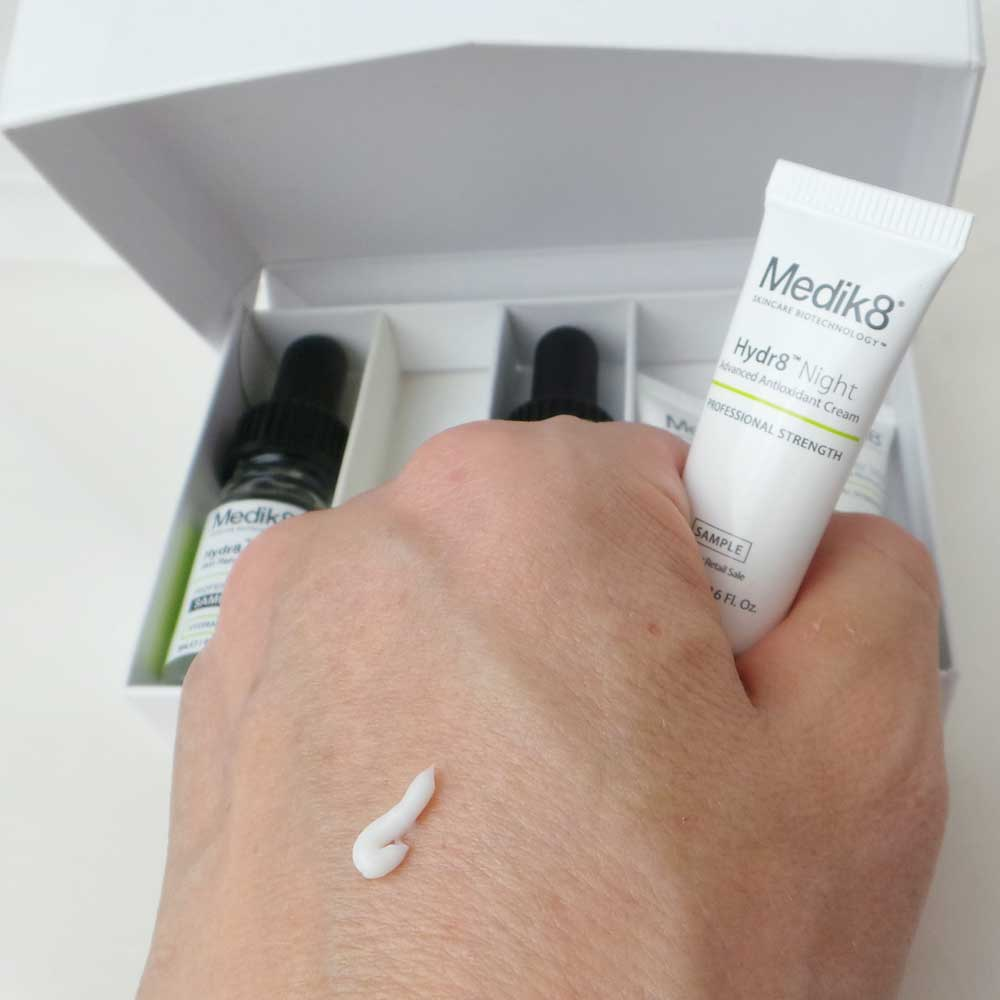 medik8-skincare-bio-technology-yustsome-zazzoo-night-hydr8