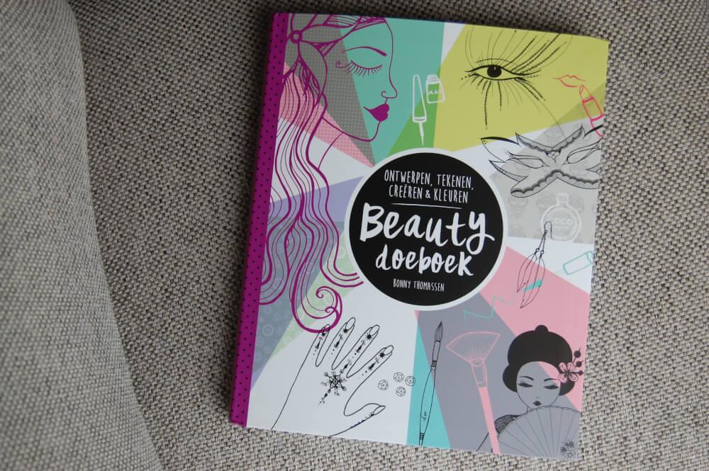 Beauty Doeboek voor Meiden winactie!
