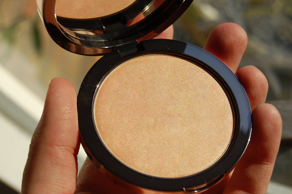 Delilah Cosmetics Pure Light Illuminating Powder