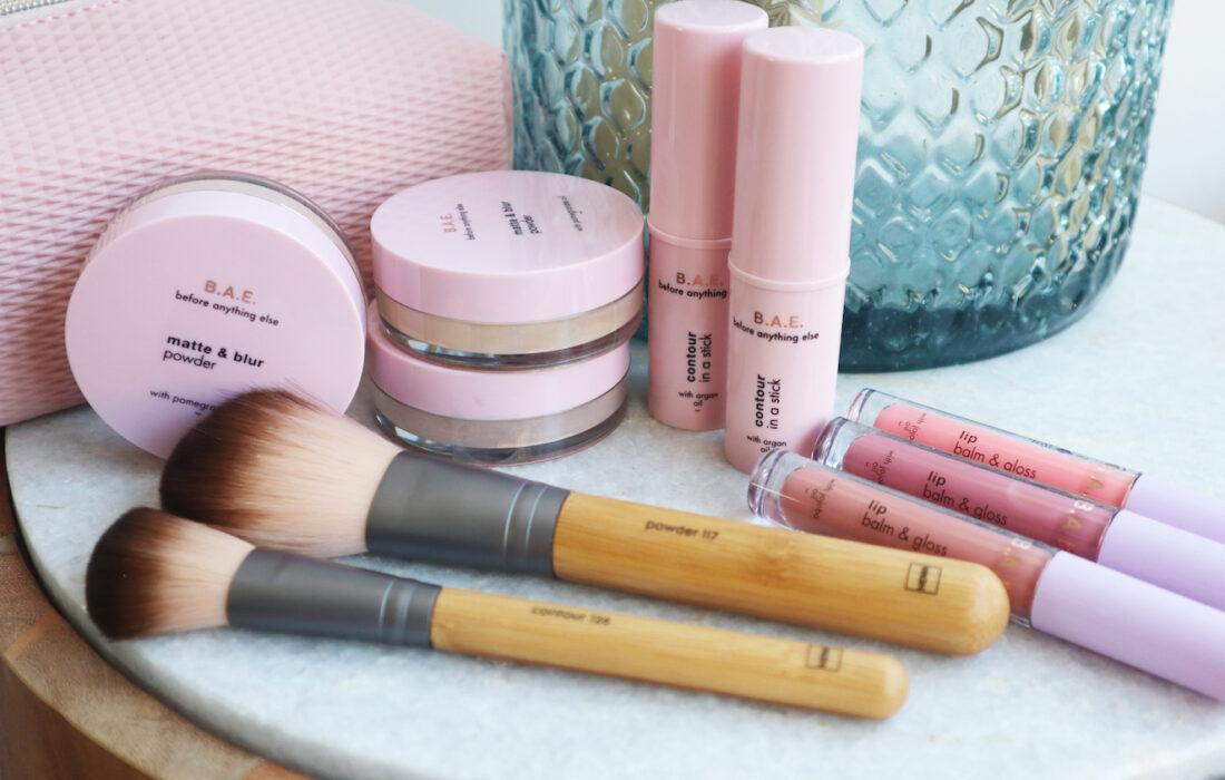 HEMA B.A.E. make-up